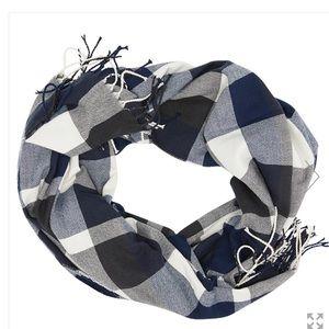Plush plaid scarf